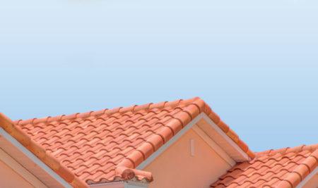 Faire appel à un artisan couvreur pour rénover son toit
